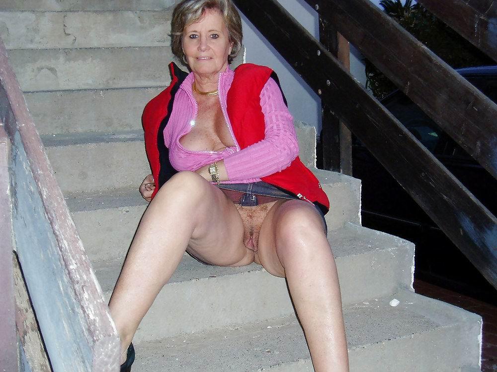 Granny fuck flash